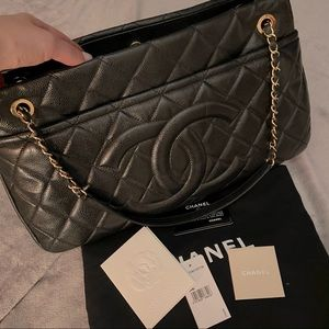 Chanel LARGE quilted Caviar shoppers tote